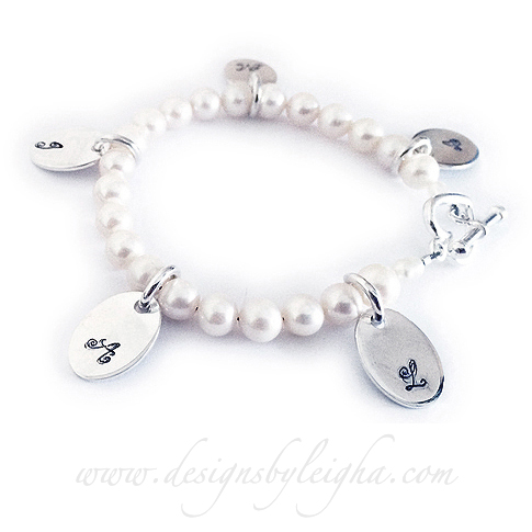 Pearl Bracelets With Oval Initial Charm Dbl Ps5