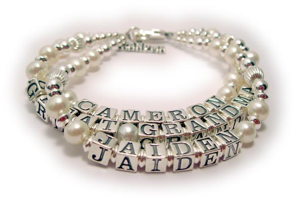 Pearl Mothers Bracelet with 3 kids names