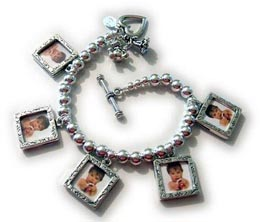picture frame charm bracelet made of sterlings ilver