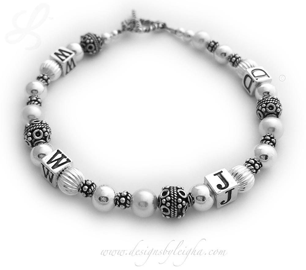 DBL-WWJD-1S  What Would Jesus Do Bracelet with a Twisted Toggle Clasp	and no charms.